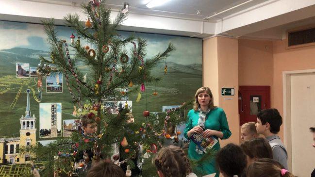 елка в музее Победы